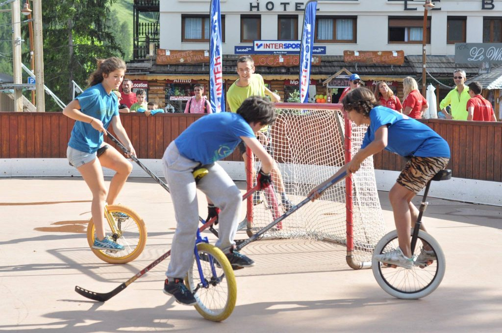 electro bike auron mono alexandra thibout